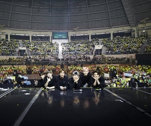 concert, group photo, and park jisung image