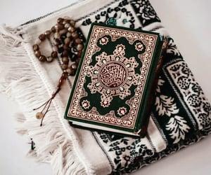 hijab, quran, and القرآن الكريم image