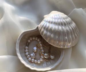 pearls, jewelry, and accessories image