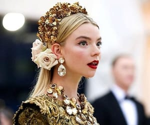 pretty and anya taylor joy image