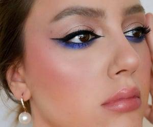 eyeliner, highlighter, and bigeyes image