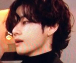 lq and taehyung image