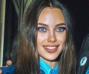 Angelina Jolie and marcheline bertrand image