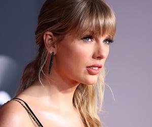 Taylor Swift and amas 2019 image