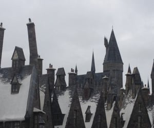 castle and harry potter image