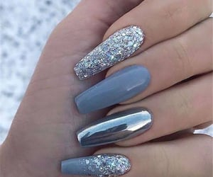 nails and chrome image