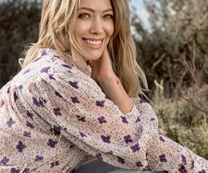 pretty and Hilary Duff image