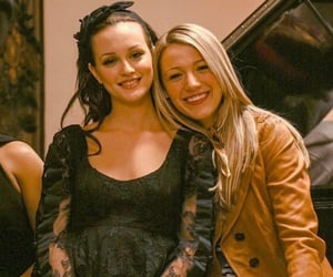 gossip girl, blair waldorf, and Serena Van Der Woodsen image