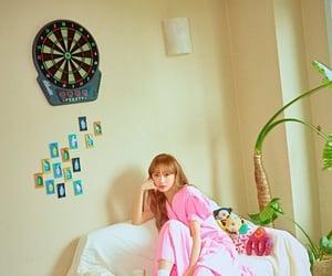 girlfriend, maknae, and sujeong image