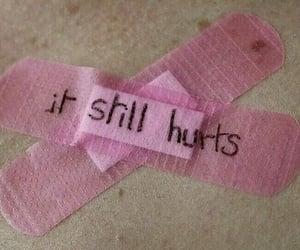 pink, hurt, and grunge image