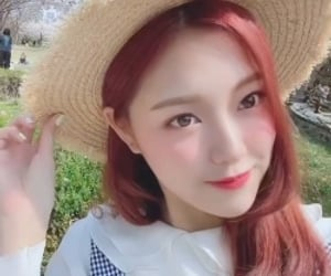 loona, kim hyunjin, and hyunjin image