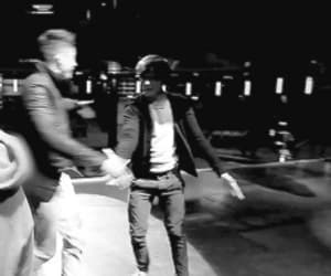b&w, gif, and louis tomlinson image