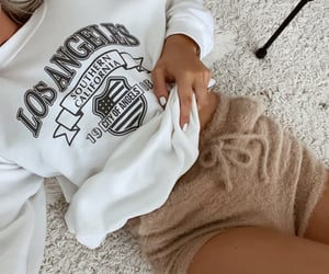 hoodie, inspo, and nails image