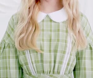 green, kpop, and loona image