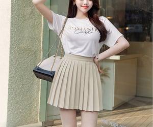 asian fashion, pleated, and kpop fashion image