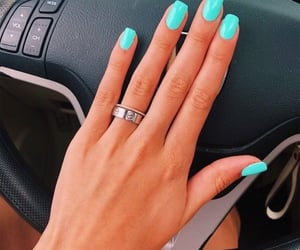 nails and car image