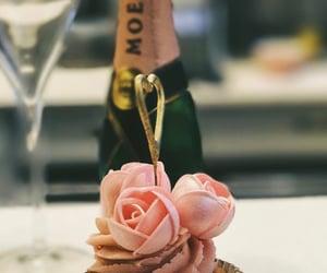 cupcake, rose, and wedding image