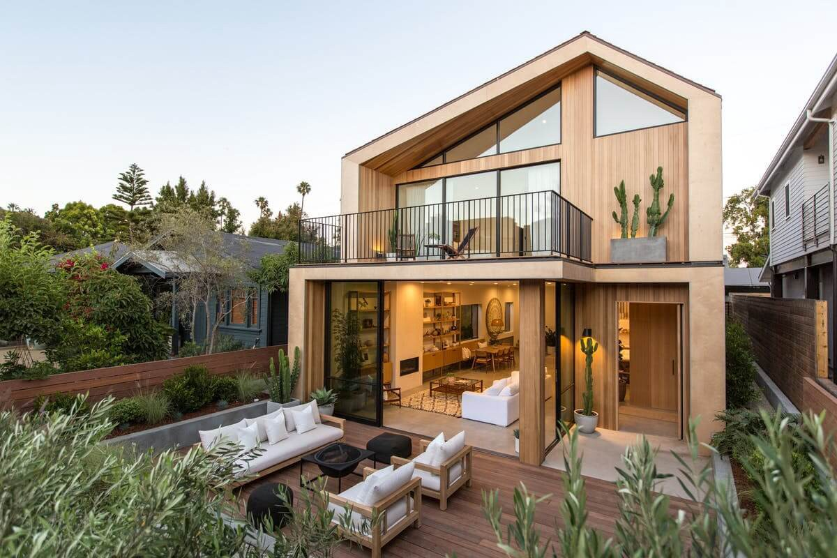 If You Are In Love With Wooden House Designs Here Are 3 Classic Modern House Designs Of Wood You Need To Checkout To Know More Visit Https Bit Ly 2toatax