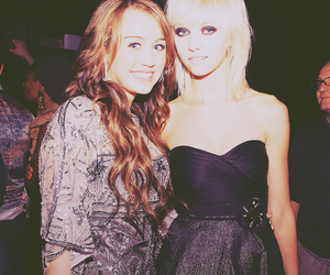 miley cyrus and Taylor Momsen image