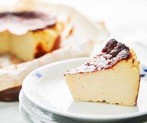 cake, burnt cheesecake, and dessert image