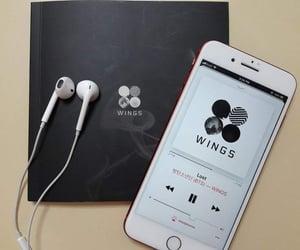 aesthetic, black, and earphones image