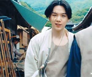 gif, yoongi, and jinkook image