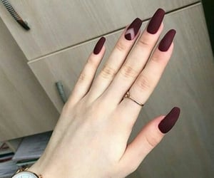 color, nails, and anillo image