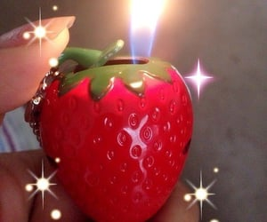 aesthetic, strawberry, and grunge image