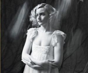girl, julia garner, and pretty image