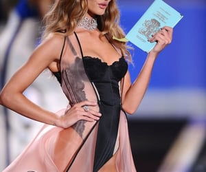 angel, beauty, and vsfs image