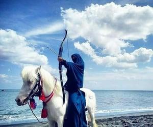 beach, horse, and منقبة image
