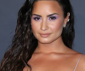 aesthetic, award, and demi lovato image