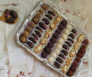 candy, عيد سعيد, and شوكولاته image