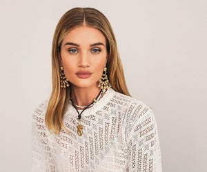 beauty, outfit, and rosie huntington-whiteley image