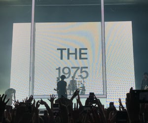 grunge, indie, and the 1975 image