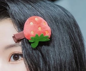 detail, details, and strawberries image