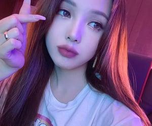makeup, nails, and asian girl image