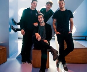 atl, alltimelow, and riandawson image