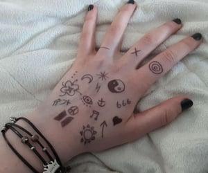 main, black, and dessin image