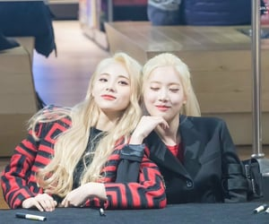 red, jinsoul, and kim lip image