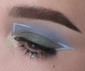 makeup, blue, and eyeshadow image