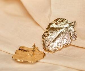 gold leaf earrings and sézane image