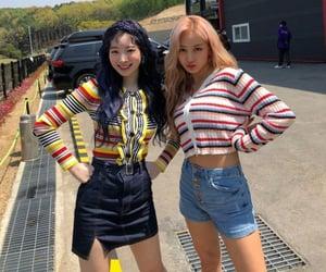 twice, jihyo, and dahyun image