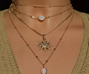 beauty, neck, and necklaces image