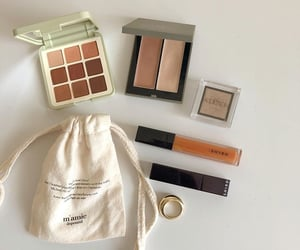 beauty, blush, and eyeshadow image