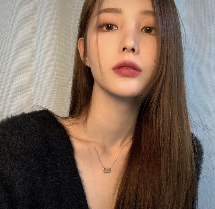 girl, ulzzang, and the black label image