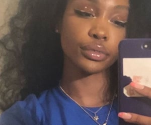 sza and makeup image