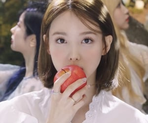 icon, unfiltered, and nayeon icon image