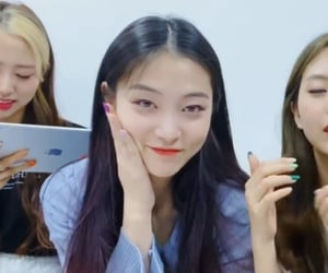 girl, kpop, and kim bomin image