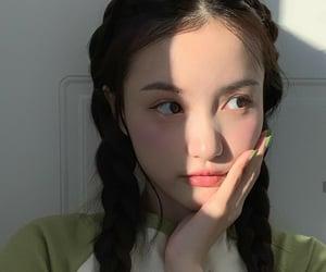 idol, mint green, and model image